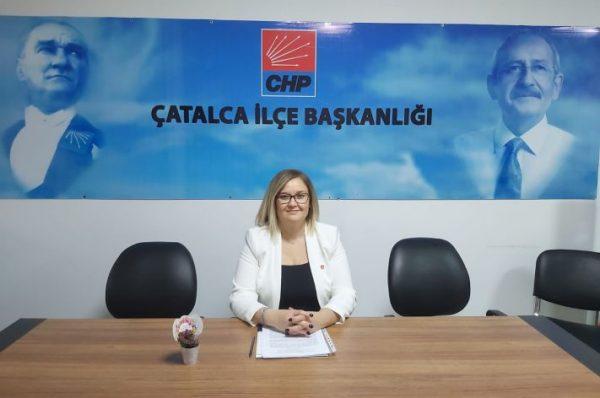 """CHP ÇATALCA KADIN KOLLARI """"KADINA ŞİDDETE HAYIR"""" DEDİ"""